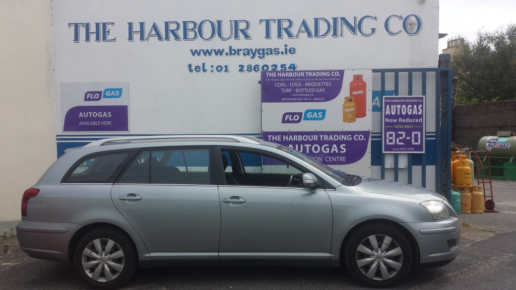 Toyota Avensis converted by cargas.ie