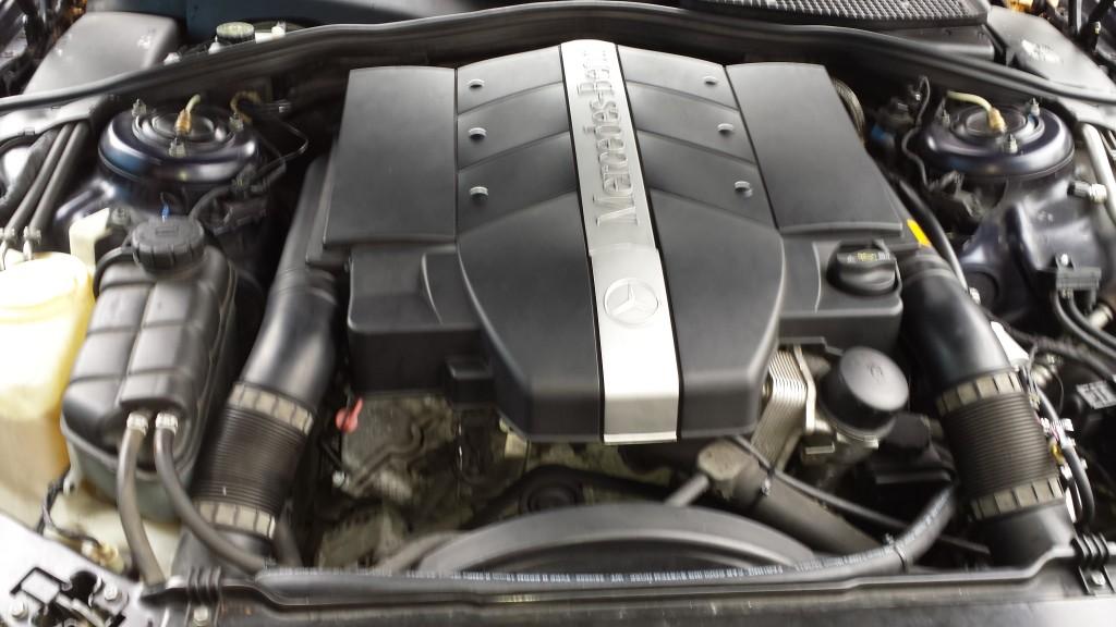 Mercedes S 350  engine bay