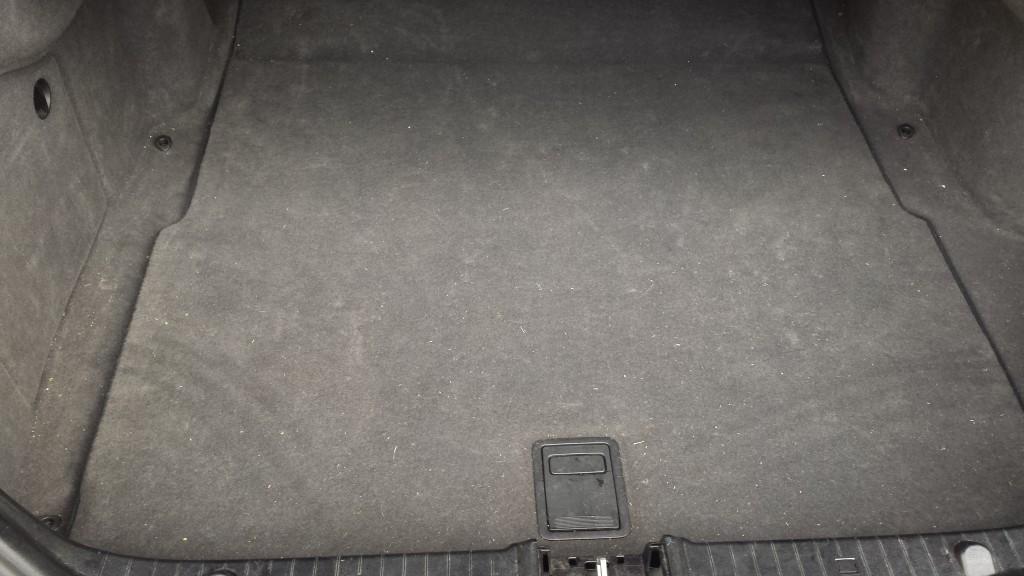 Mercedes E 240 LPG tank